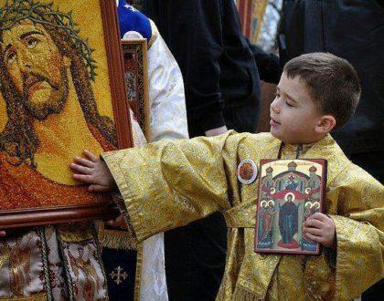 Το Προσκύνημα των Αγίων Εικόνων Αποτελεί Ορθόδοξη Παράδοση ή Κατάλοιπο της Ειδωλολατρίας;